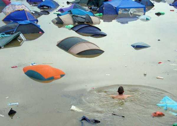 10 Hilarious Moments You Can Only Encounter While Camping
