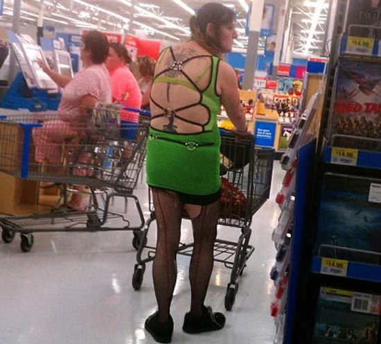 9 Photos That You Won't Believe What WalMart Cameras Captured