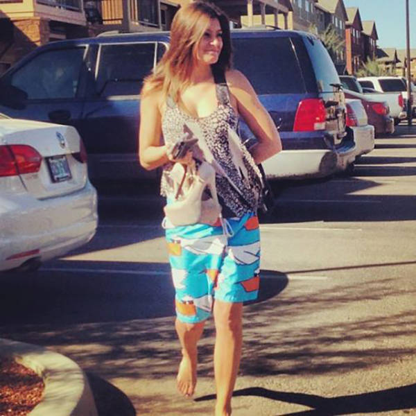 12 Moments When Embarrassed Girls Were Caught In The Walk of Shame