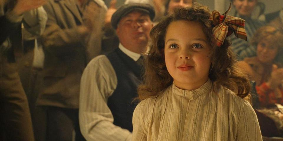Here's What The Little Girl From Titanic Looks Like Now