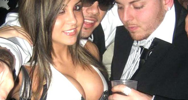10 Guys Who Got Caught Staring at Boobs