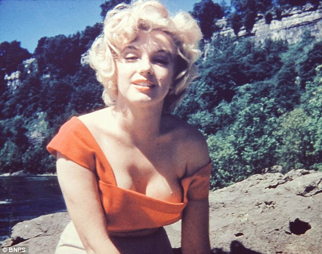 Vintage Photos Of History's Most Iconic Women
