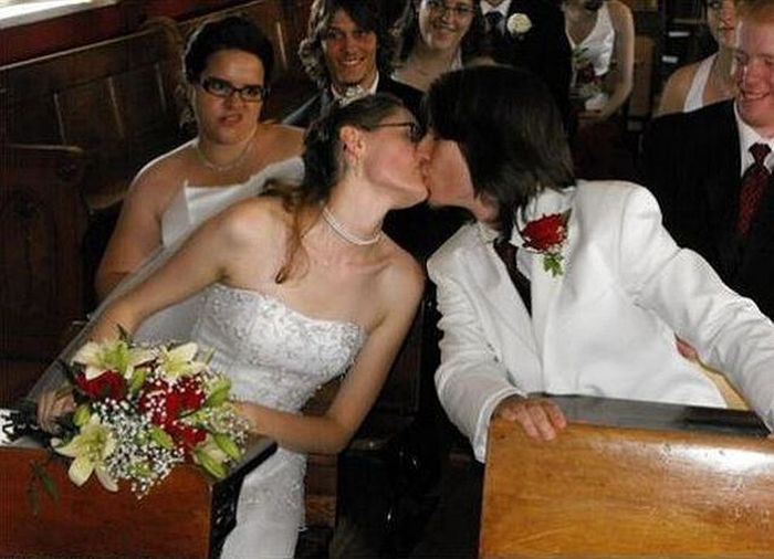 6 Of The Most Epic Photobombs To Brighten Your Day