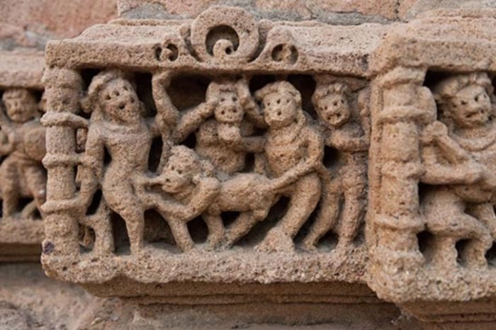 14 Temples In India Which Are Famous For Its Erotic Sculptures!