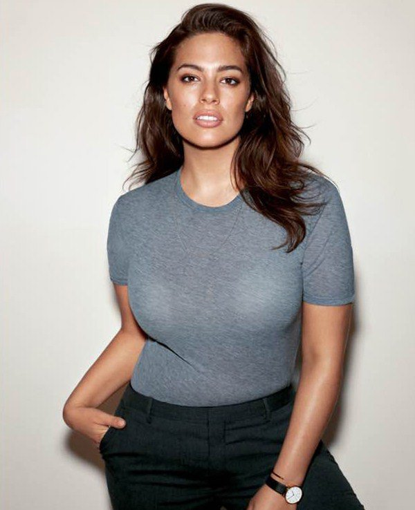 Ashley Graham is Curvy in All the Right Places (17 Photos)