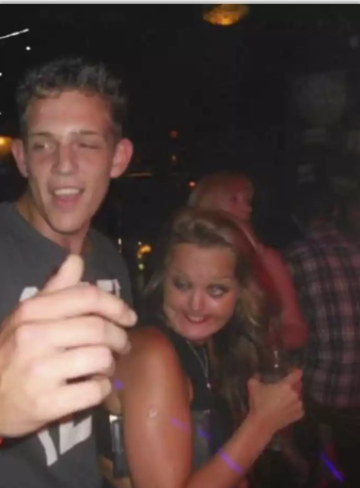 10+ Embarrassing Nightclub Drunk Fails That'll Make You Laugh in Madness