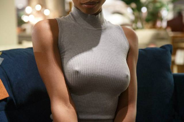 These Girls Prove That 'No Bra' Is No Problem (55 Photos)