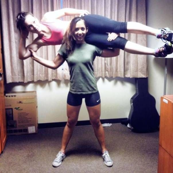 Funny and Awkward Moments Caught on Camera #18 (30 Pics)