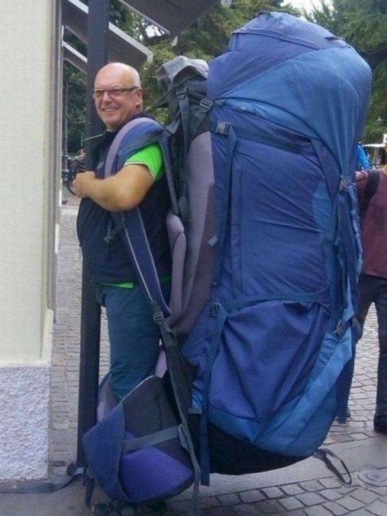 Funny and Awkward Moments Caught on Camera #31 (25 Pics)