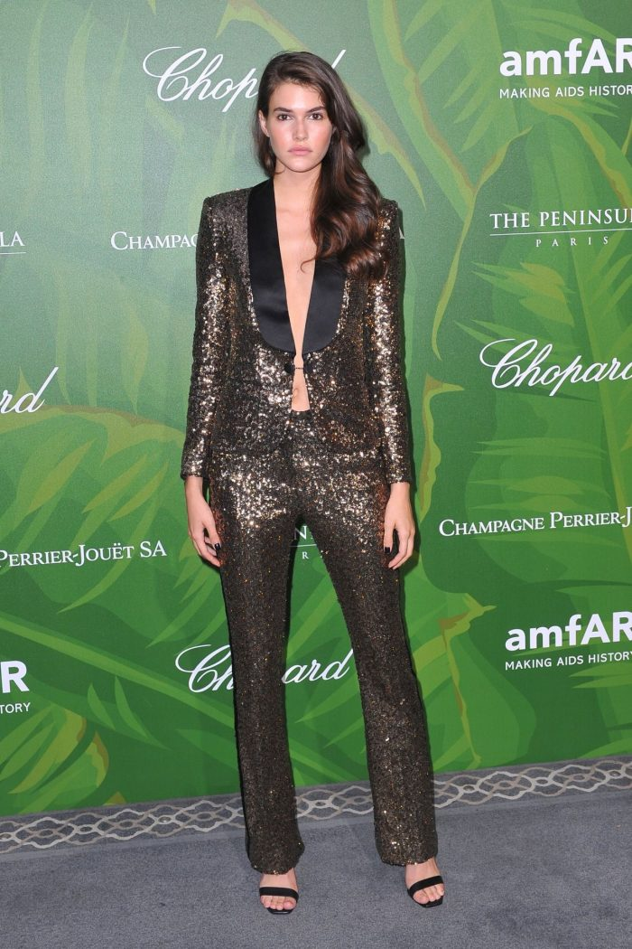 7 Photos Of Vanessa Moody – amfAR Paris Dinner 2018