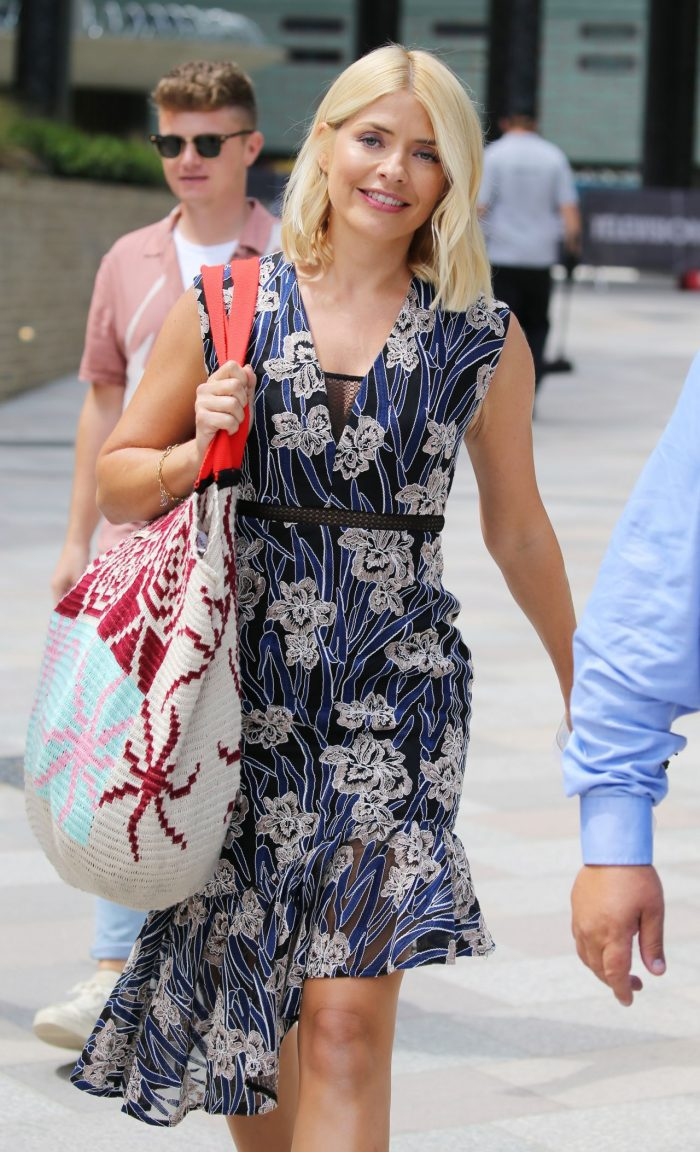 6 Photos Of Holly Willoughby – Outside ITV Studios In London 07/04/2018