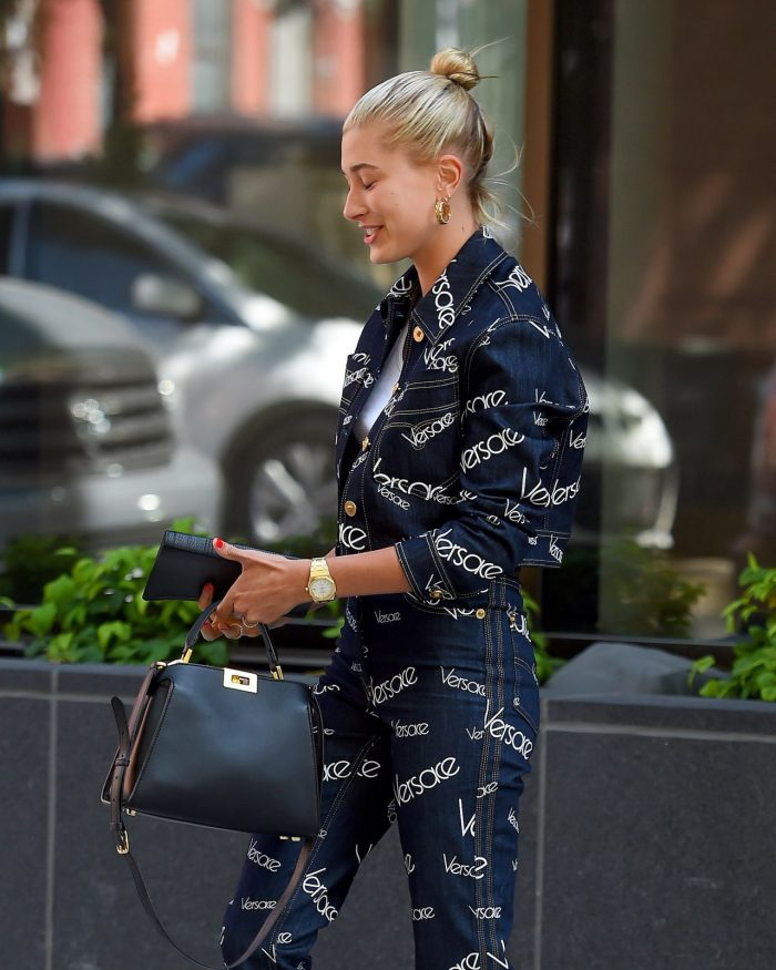 7 Photos Of Hailey Baldwin In A Versace Outfit In Brooklyn 07/05/2018