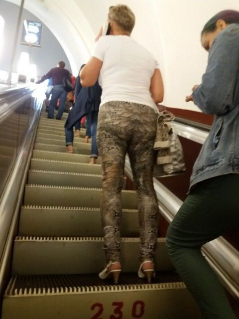 28 Weird People Who Could Not Care Less About Fashion