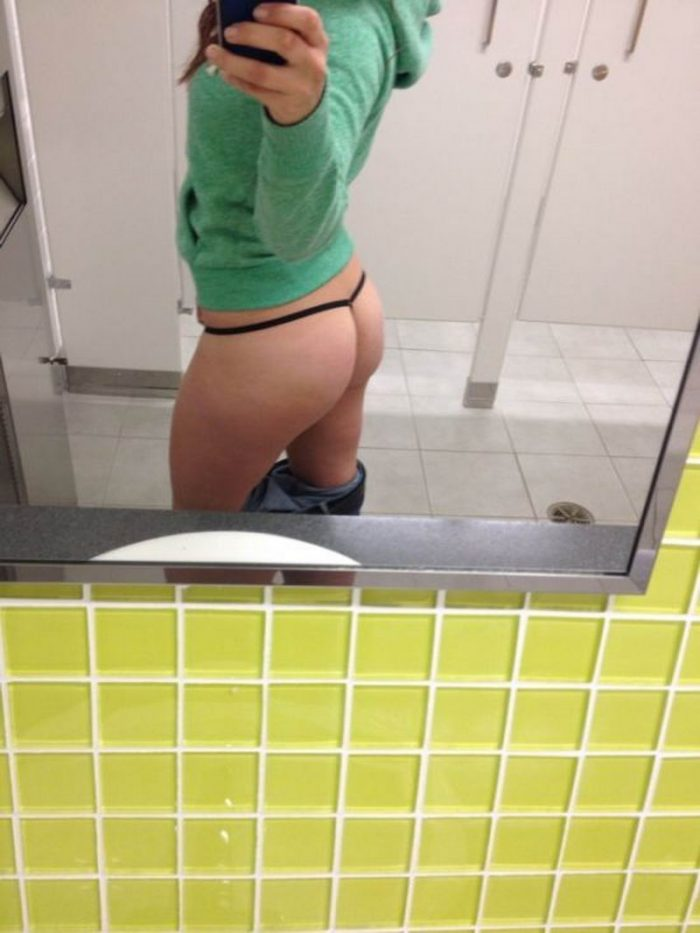 35 Girls Who Are Bored At Work
