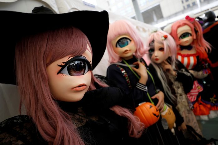 34 Bright Moments Of Halloween Parades Around The World