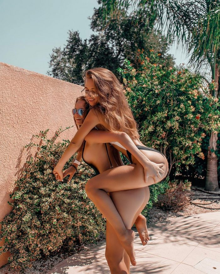 40 Photos Of Cute Women To Make Your Day