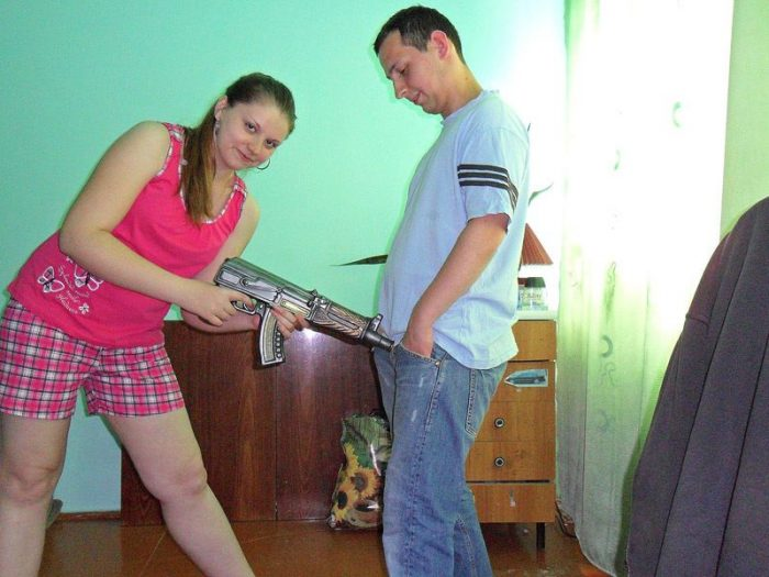 25 Very Shameful And Awkward Moments Caught On Camera