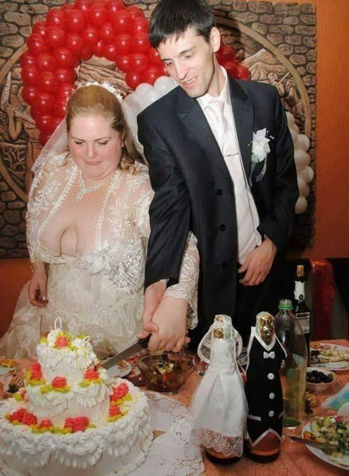 That Awkward Moment Caught On Camera (37 Photos)