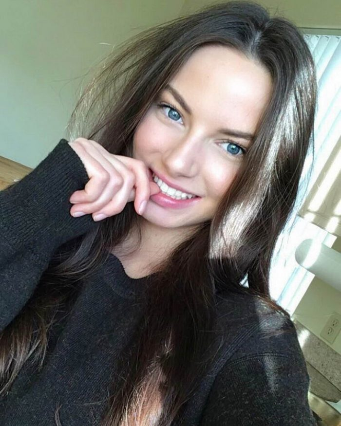 Pretty Girls Of The Day (50 Photos)