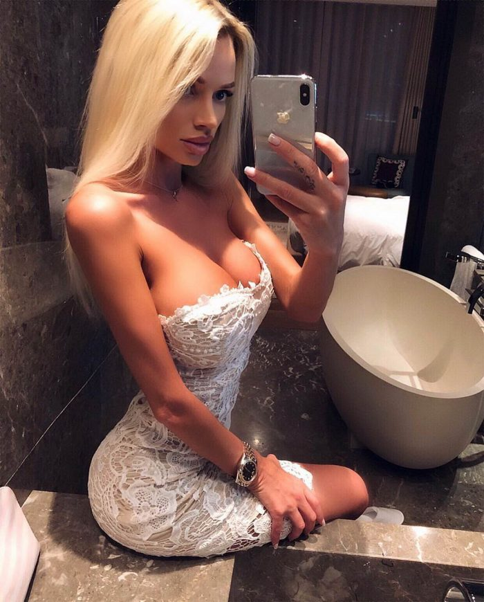 Girls In Tight Dress You Must See (40 Photos)