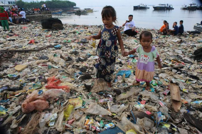 Daily Life In Indonesia (36 Photos)