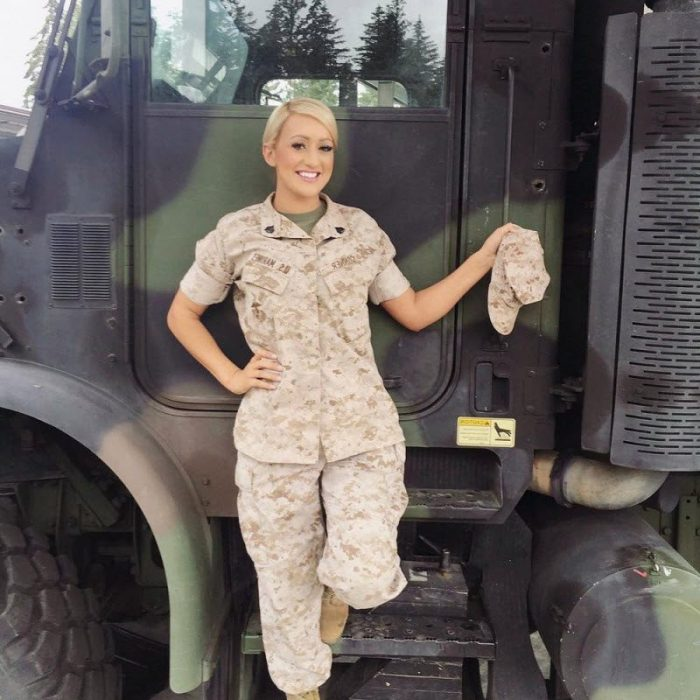 Military Barbie Rianna Conner In A Series Of Piquant Pin-Up Shots (19 Photos)