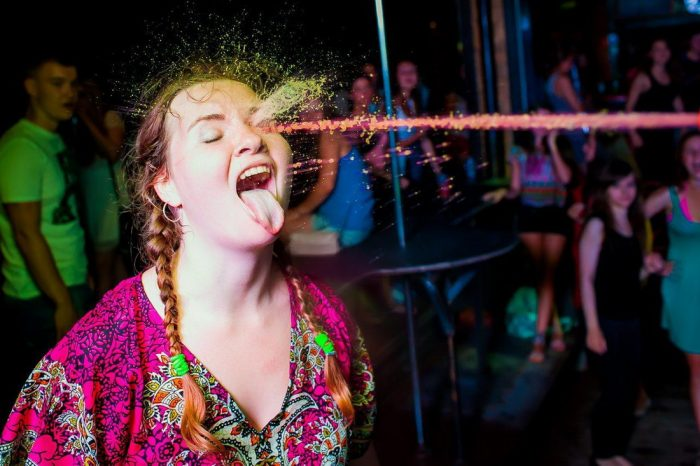Pictures Taken At The Right Moment (36 Photos)