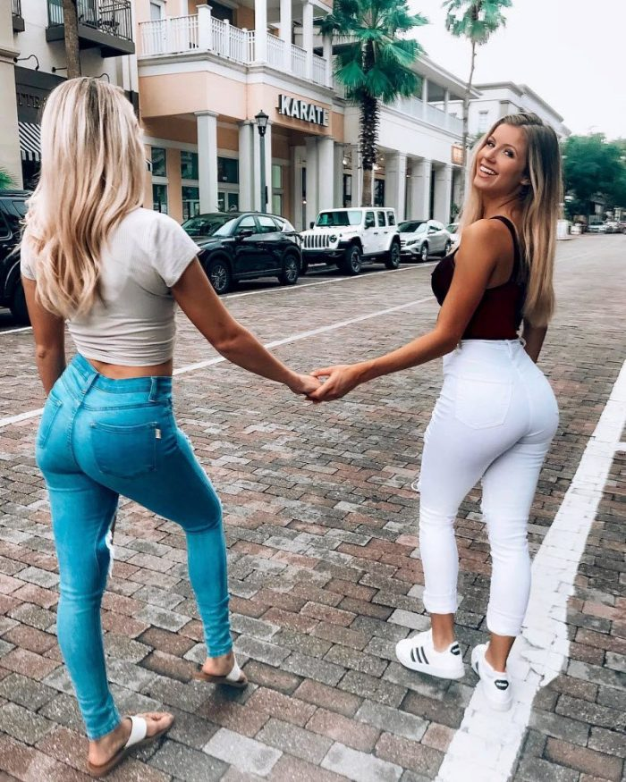 Sexy Teens In Jeans