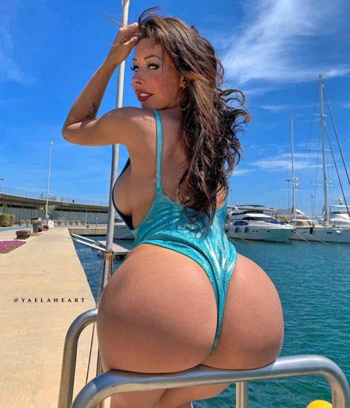 Dancer And Fitness Model Yaela Heart, The Queen Of Stretching (10 Photos)