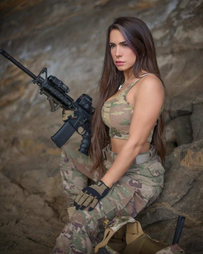 25-Year-Old 'Queen Of Guns' Orin Julie Israely Army Veteran (25 Photos)