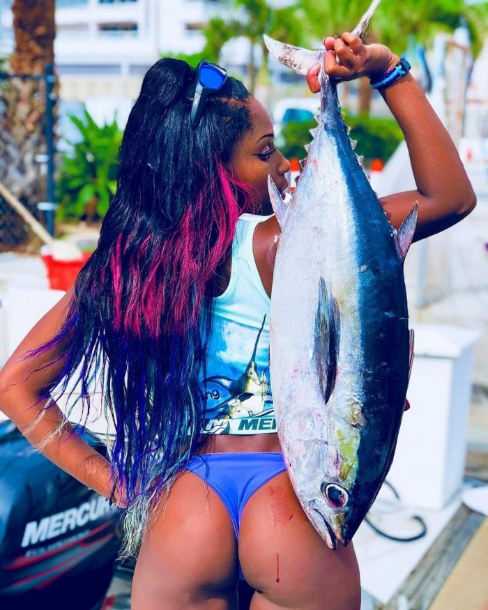 These Cute Girls Like To Fish (40 Photos)