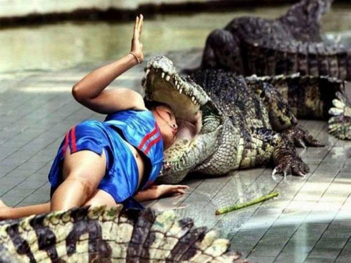 Weird Pictures That Can Not Be Explained (43 Photos)