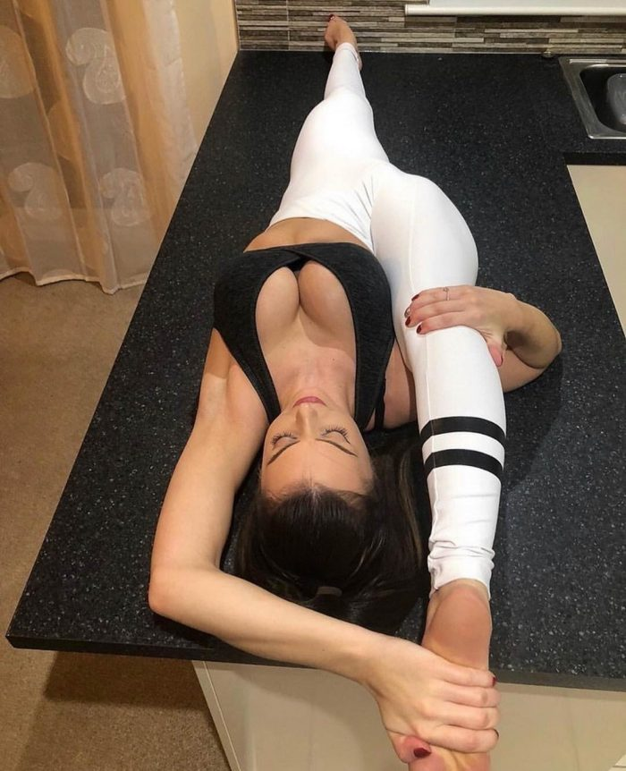 Girls In Yoga Pants You Must See (44 Photos)