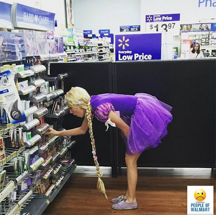 Weirdest People Of Walmart (52 Photos)