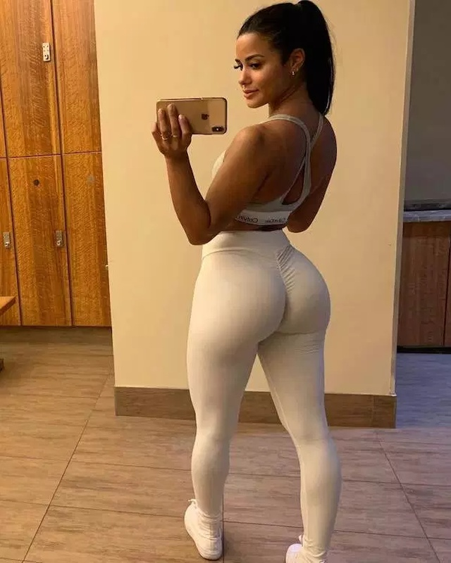 Positive Effect Of Squats From Katya Elise Henry (19 Photos)