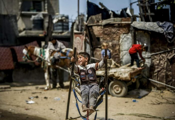 Daily Life In Palestine (20 Photos)