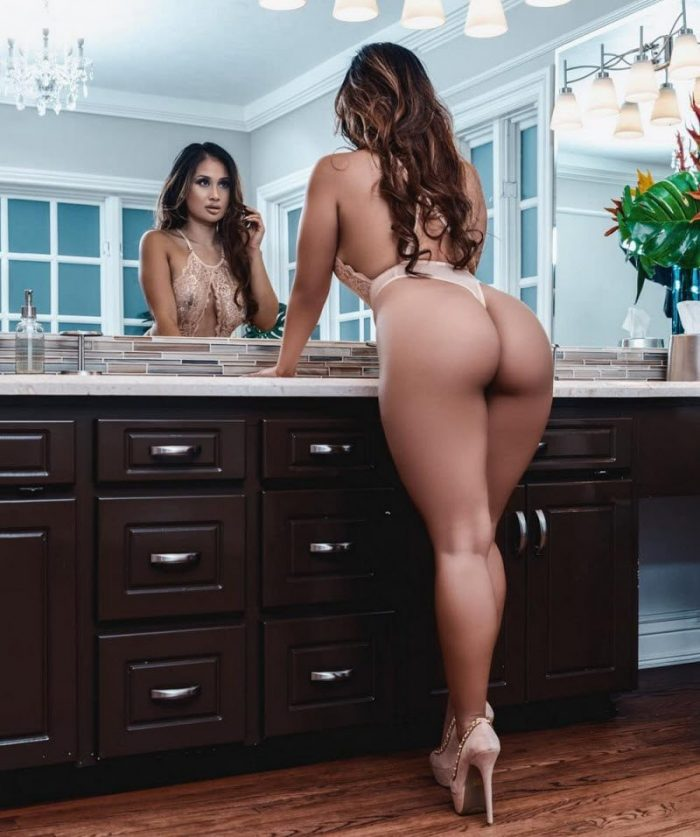 35+ Hot Girls That Like To Bend Their Back