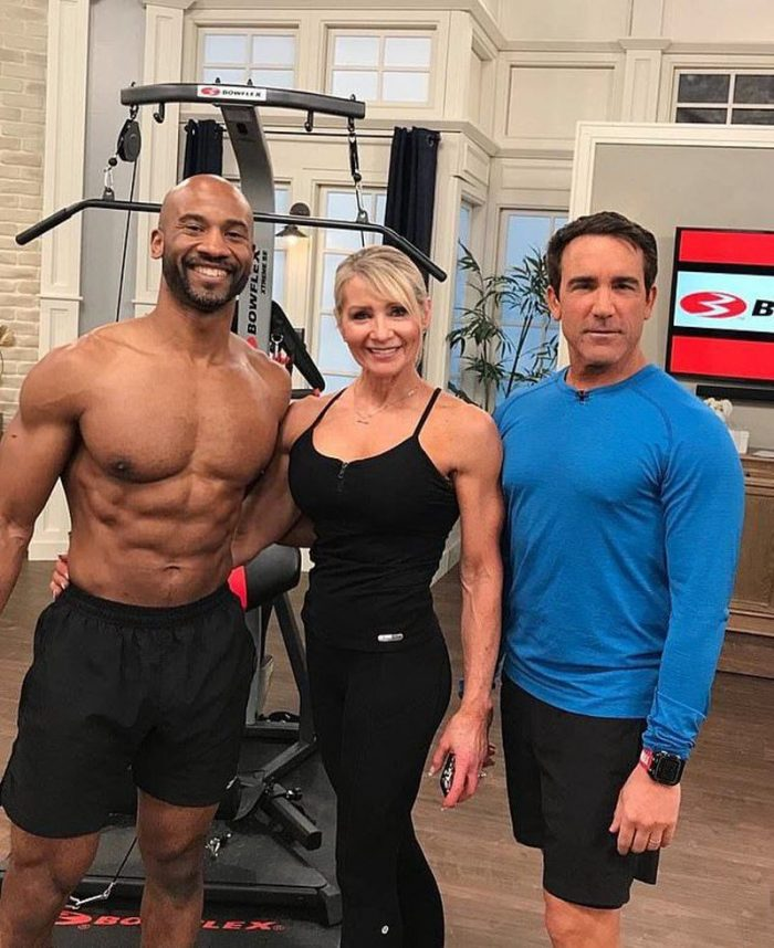 61-Year-Old Grandma Bodybuilder Lynda Jager Dizzy Men