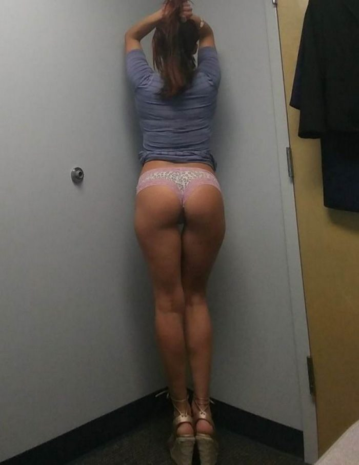 40 Hot Girls Who Bored At Work