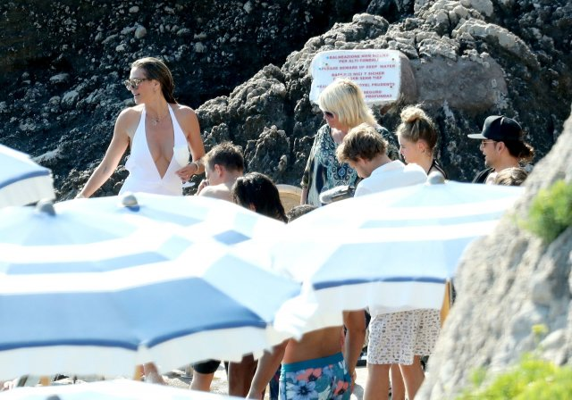 Heidi Klum Went To Sunbathing Topless On The Beach After Her Wedding