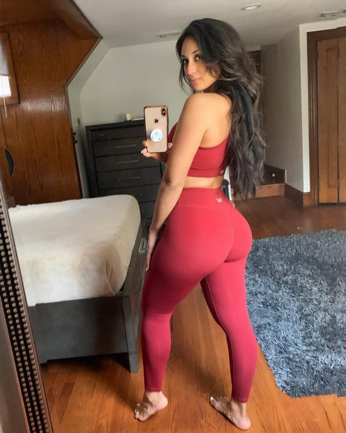 Hot Girls In Yoga Pants You Must See (35 Photos + 5 GIFs)