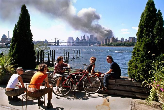 Rare And Tragic: Photos Of The 9/11 Attack That Not Everyone Saw (20 Photos)