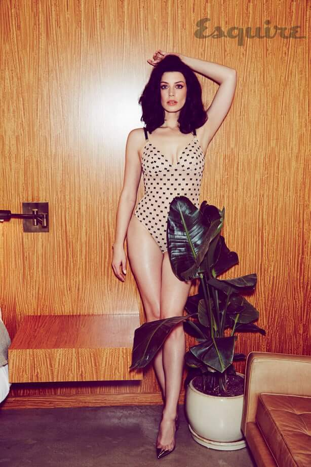 Jessica Pare Hot Pictures And Fashion Style (49 Photos)
