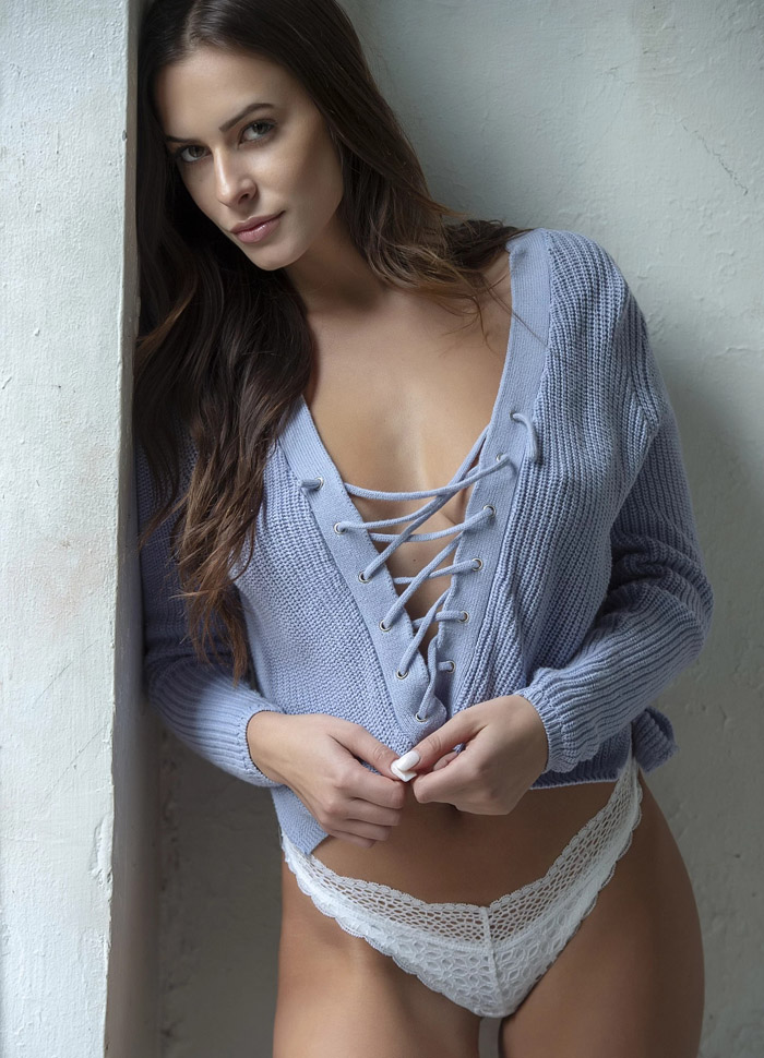 Pretty Hot Girls In Bikinis, Lingerie And More (70 Photos)