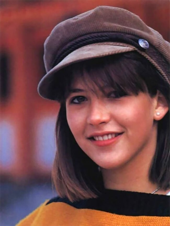 Young Sophie Marceau Best Pictures (45 Photos) - Page 2 of