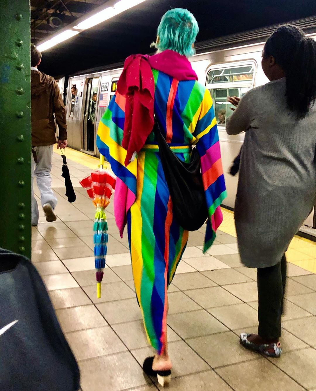Weird People's Fashion Of New York Streets (35 Photos)