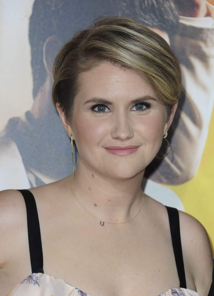 Jillian Bell Hot Pictures And Fashion Style (46 Photos)