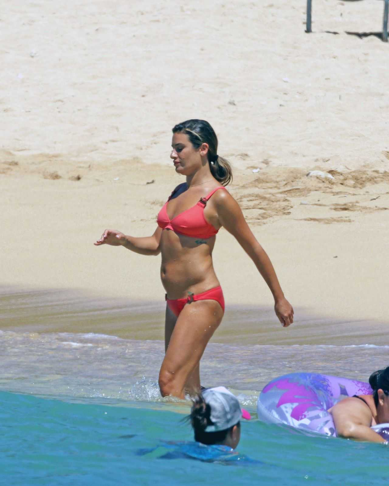 Lea Michele Hot Pictures, Bikini And Fashion Style (49 Photos)