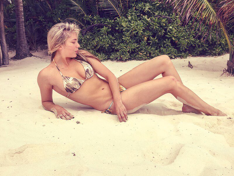 Shoshana Bush Hot Pictures, Bikini And Fashion Style (49 Photos)