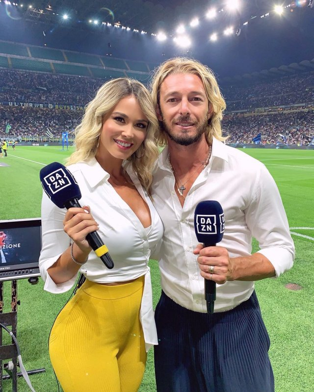 Italian Journalist Diletta Leotta Conquered Football Fans (18 Photos)